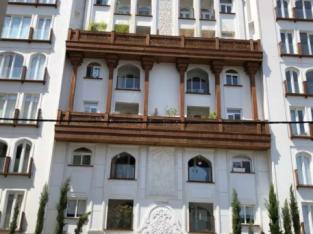 فروش آپارتمان ٨٨ متر/خوش نقشه/نور / پونک