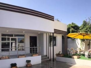 ویلا 2خواب نوساز 260 متری مبله در منطقه ازاد انزلی