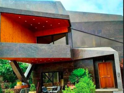 ویلای استخردار با معماری مدرن روز
