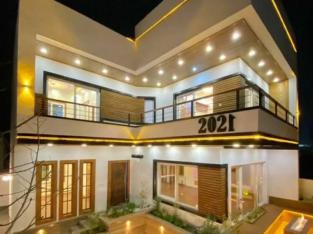 ویلا نما مدرن ۲۵۰متری شهرک برند